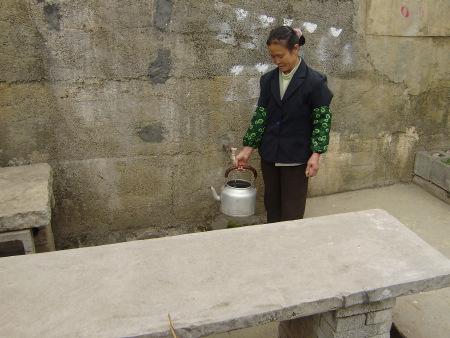 水窖解决了董达秀一家人的饮水难题