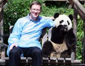 震后出生大熊猫喜迁新家 奔驰大熊猫乐园正式开园