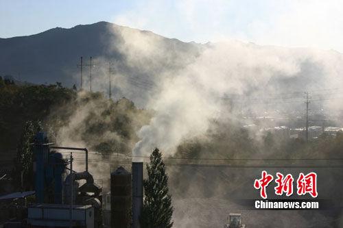 河北一生态公园暗藏炼油厂居民望烟兴叹20年