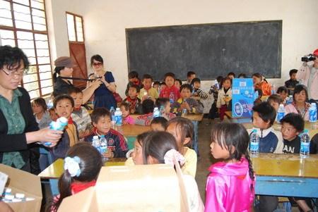 上海太太乐食品有限公司认捐100口思源水窖