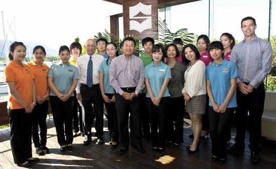 上海大学生赴澳接受酒店专业职业培训