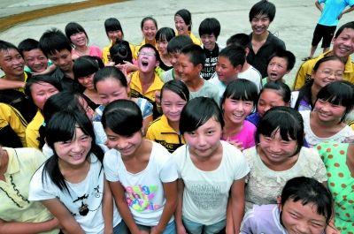 捷豹路虎中国:心系教育助雅安青少年成长