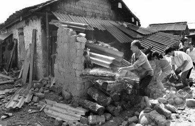 云南景谷地震为何震级较高死伤少